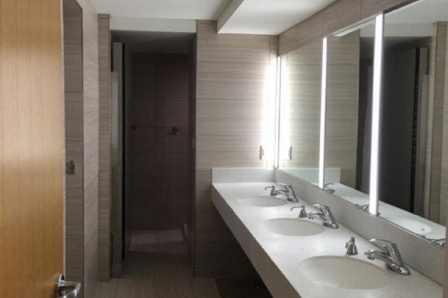 Gooch suite bathroom