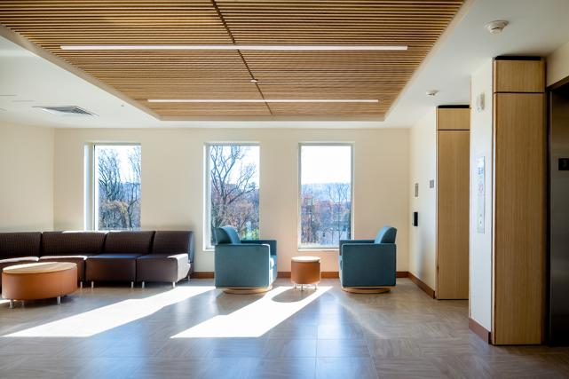 Floor lobbies in Bond feature natural light and comfortable seating