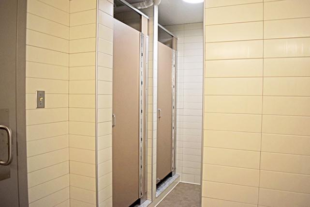 Bathroom showers in Alderman Road suites