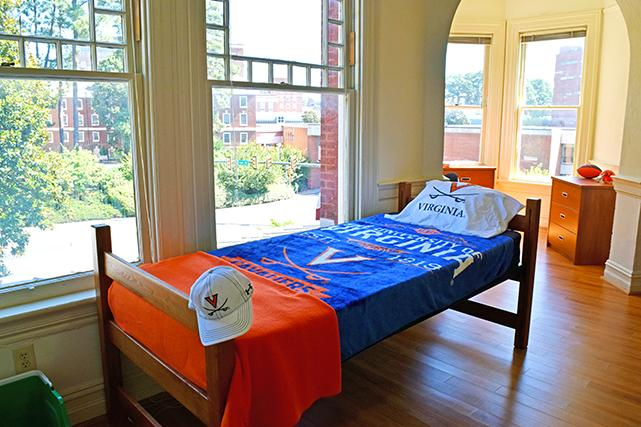 Housing and residence life u va for Living room in french language